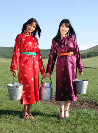 mongolgirls.jpg
